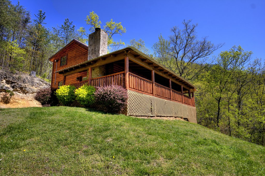 Photo of a Pigeon Forge Cabin named Grandpa Bear's View #233 - This is the seventeenth photo in the set.