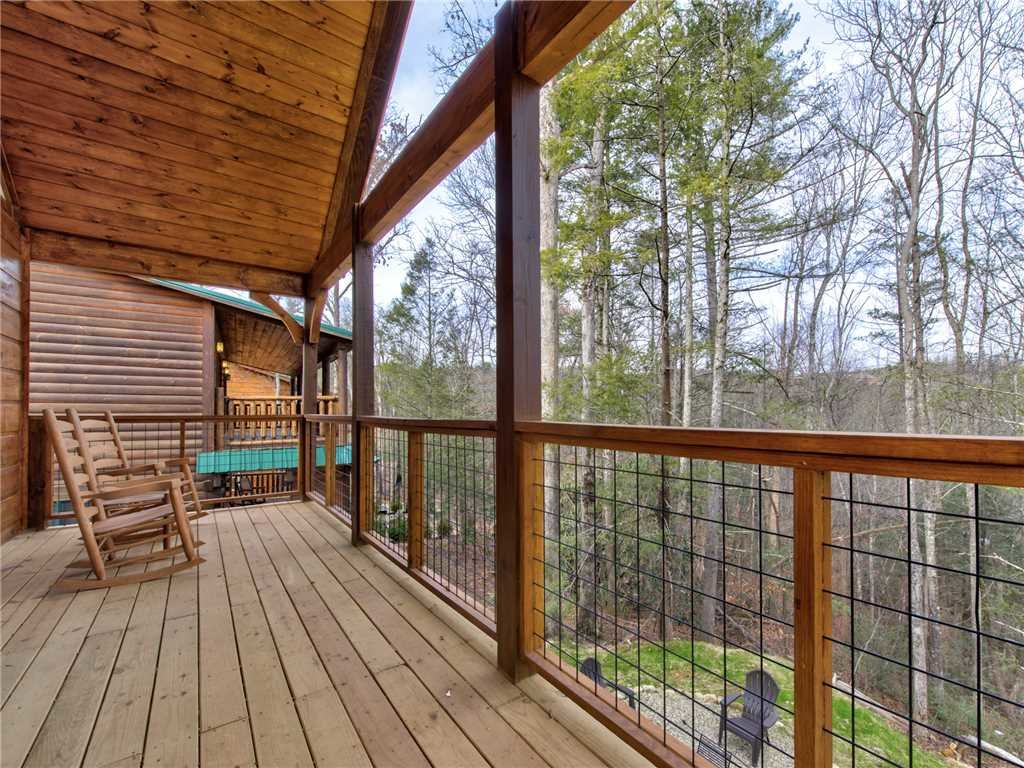 Photo of a Gatlinburg Cabin named Poolin Around - This is the seventeenth photo in the set.