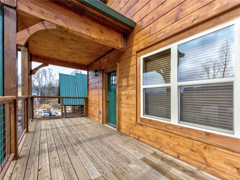 Photo of a Gatlinburg Cabin named Poolin Around - This is the eighteenth photo in the set.