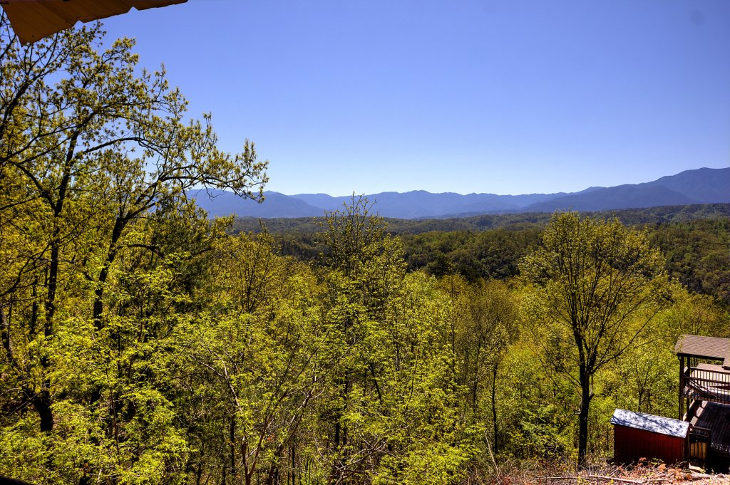 Photo of a Pigeon Forge Cabin named Grandpa Bear's View #233 - This is the twenty-eighth photo in the set.