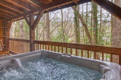 Tennessee Log Cabin: Close To Downtown Gatlinburg & Near National Park