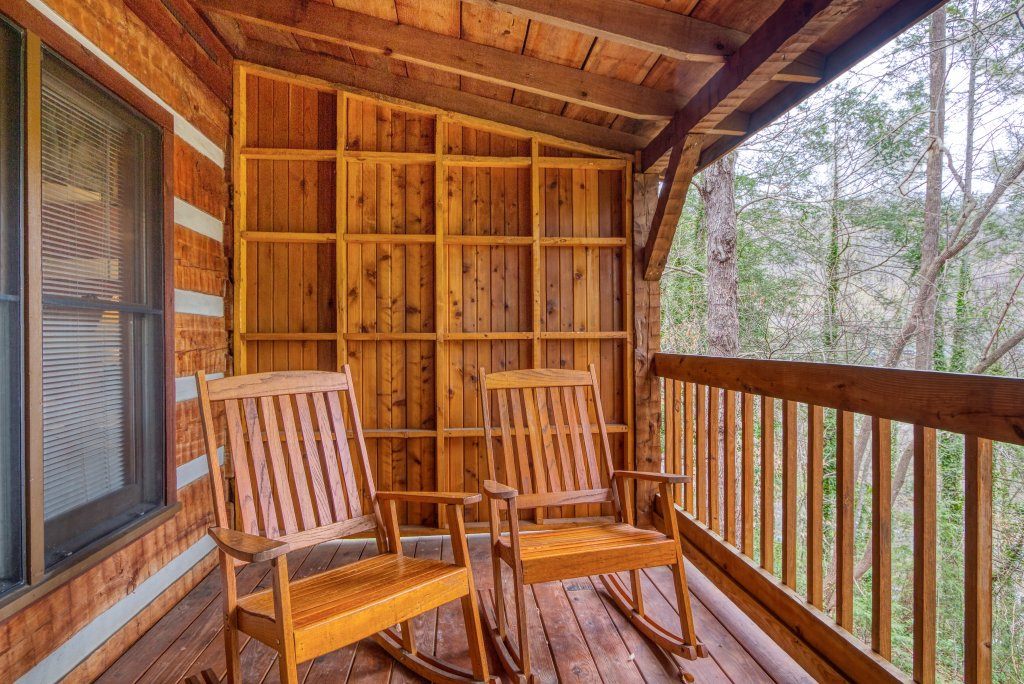Photo of a Gatlinburg Cabin named Leather And Lace #1615 - This is the twelfth photo in the set.