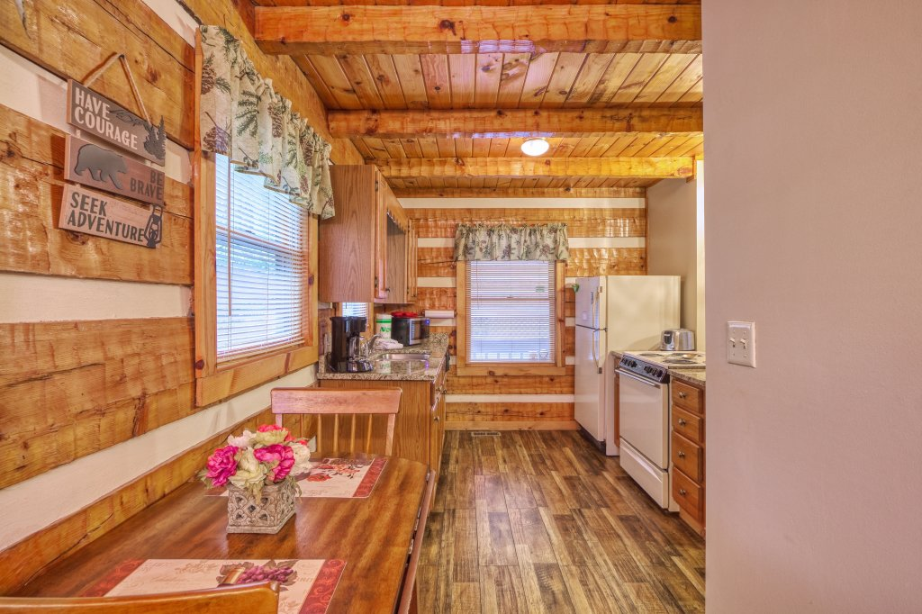 Photo of a Gatlinburg Cabin named Moonshine Madness #1611 - This is the thirteenth photo in the set.