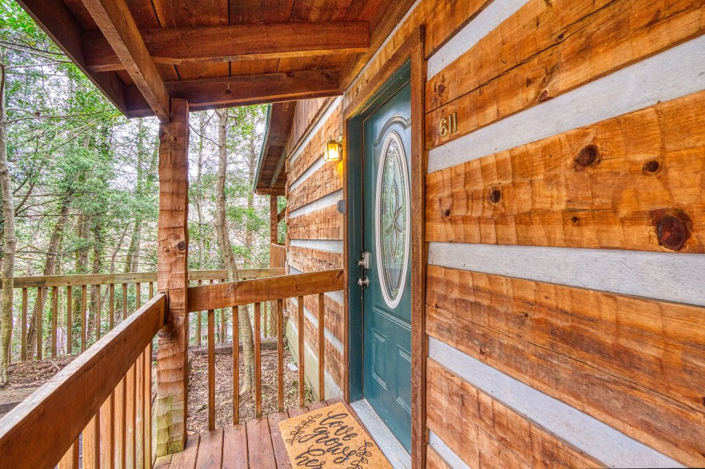 Photo of a Gatlinburg Cabin named Moonshine Madness #1611 - This is the seventh photo in the set.