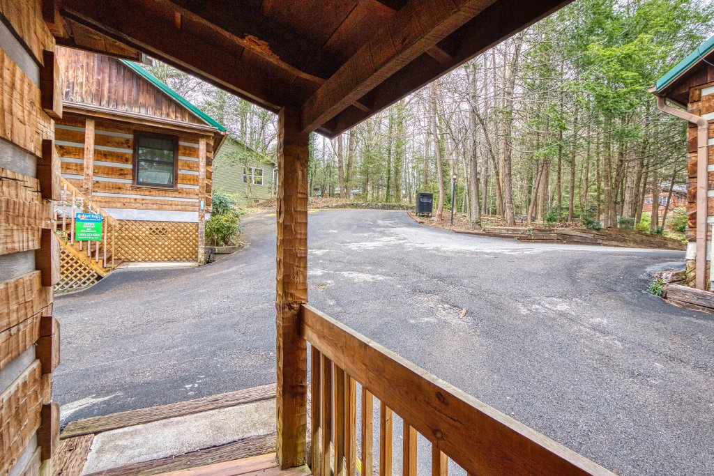 Photo of a Gatlinburg Cabin named Moonshine Madness #1611 - This is the twenty-third photo in the set.