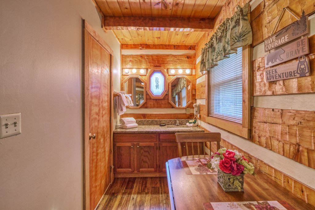 Photo of a Gatlinburg Cabin named Moonshine Madness #1611 - This is the fifteenth photo in the set.