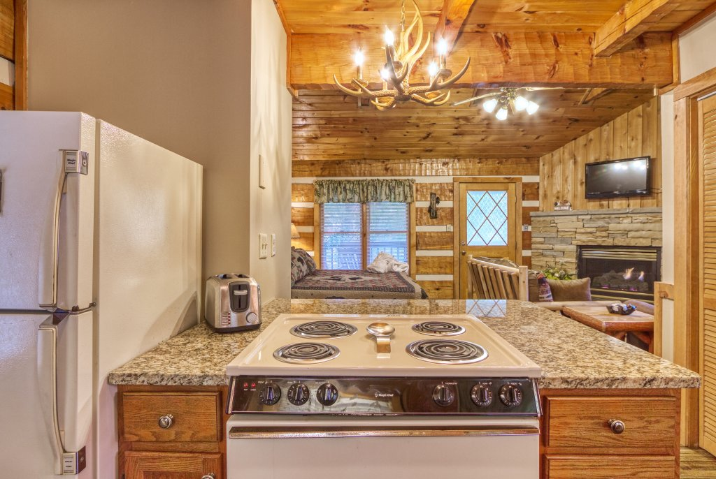 Photo of a Gatlinburg Cabin named Moonshine Madness #1611 - This is the seventeenth photo in the set.