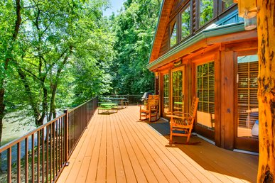 Best River Lodge In Pigeon Forge: 2 Hot Tubs, Gas Fire Pit & Fishing Access!