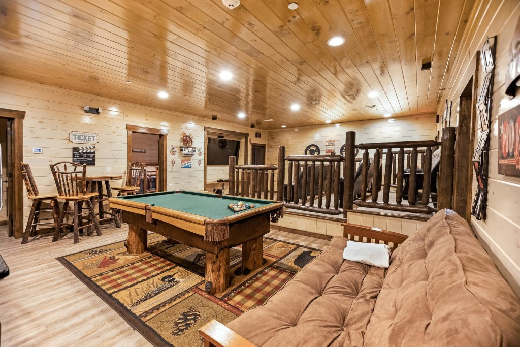 Photo of a Pigeon Forge Cabin named Aqua Dreamin' Retreat - This is the fifth photo in the set.