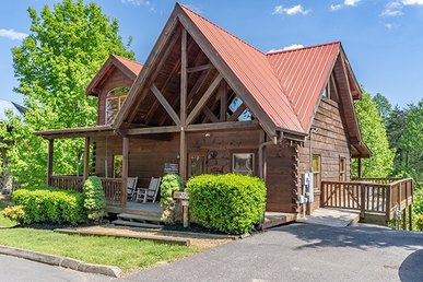 A 2 Bedroom, 2 Bath Pigeon Forge Luxury Cabin For 6 Close To The Parkway.