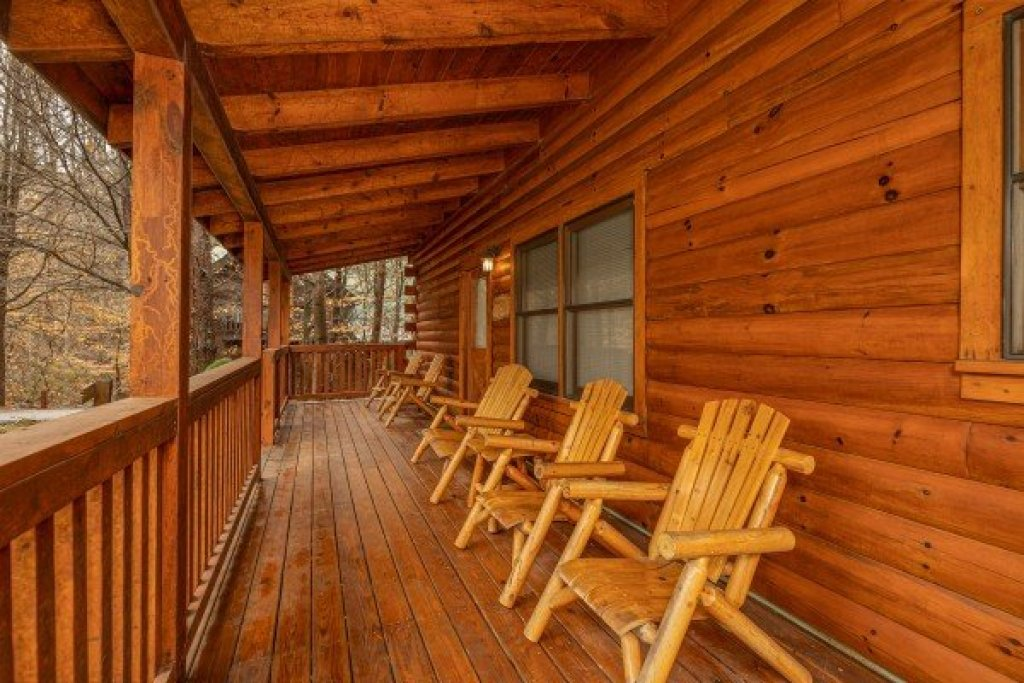 Photo of a Pigeon Forge Cabin named Alpine Tranquility - This is the tenth photo in the set.