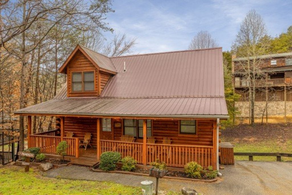 Photo of a Pigeon Forge Cabin named Alpine Tranquility - This is the second photo in the set.