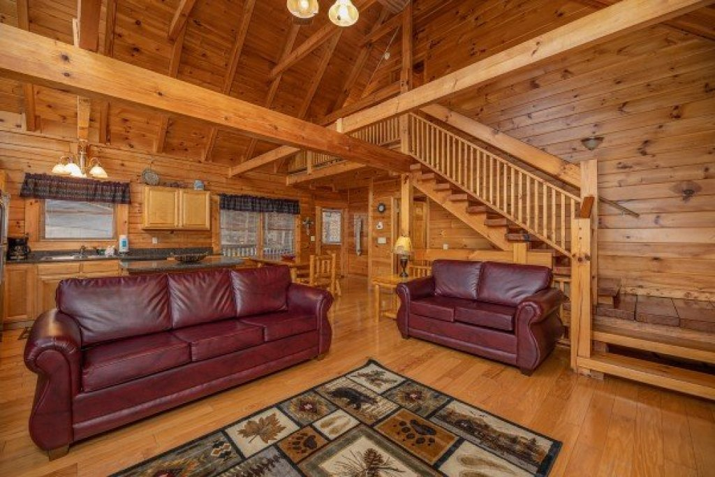 Photo of a Pigeon Forge Cabin named Alpine Tranquility - This is the fourth photo in the set.