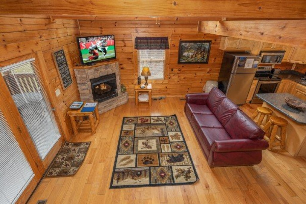 Photo of a Pigeon Forge Cabin named Alpine Tranquility - This is the fifteenth photo in the set.