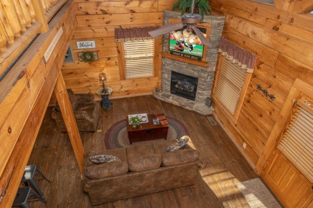 Photo of a Pigeon Forge Cabin named Livin' Simple - This is the thirteenth photo in the set.