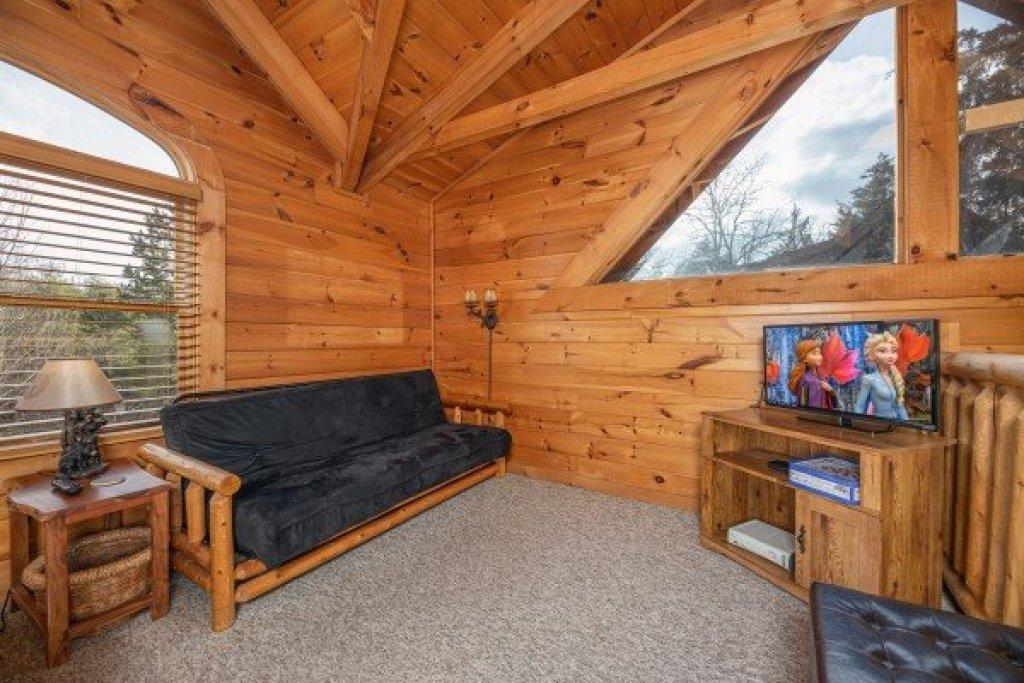 Photo of a Pigeon Forge Cabin named Livin' Simple - This is the fifteenth photo in the set.