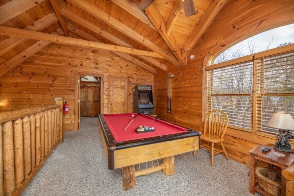 Photo of a Pigeon Forge Cabin named Livin' Simple - This is the sixteenth photo in the set.