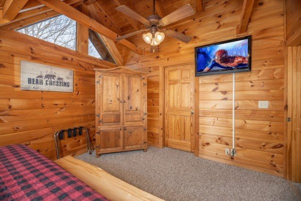 Photo of a Pigeon Forge Cabin named Livin' Simple - This is the eighteenth photo in the set.