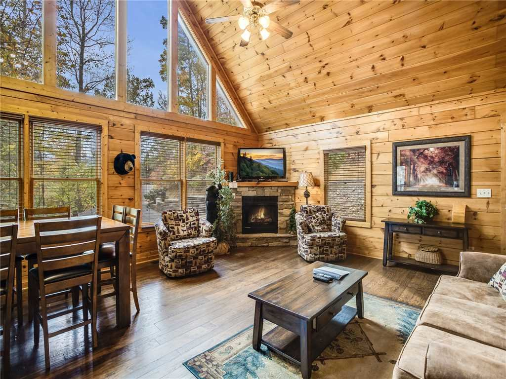 Photo of a Gatlinburg Cabin named Mountain Elegance - This is the first photo in the set.