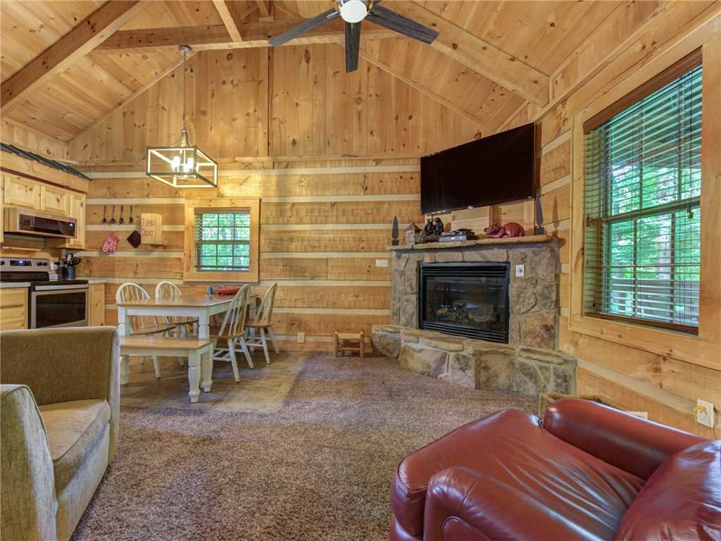 Photo of a Gatlinburg Cabin named Life's Escape - This is the first photo in the set.