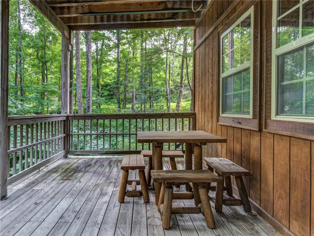 Photo of a Gatlinburg Cabin named Life's Escape - This is the twenty-second photo in the set.