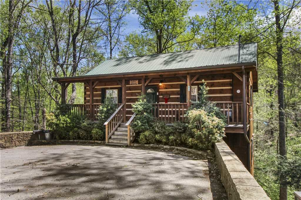Photo of a Gatlinburg Cabin named Life's Escape - This is the twenty-seventh photo in the set.