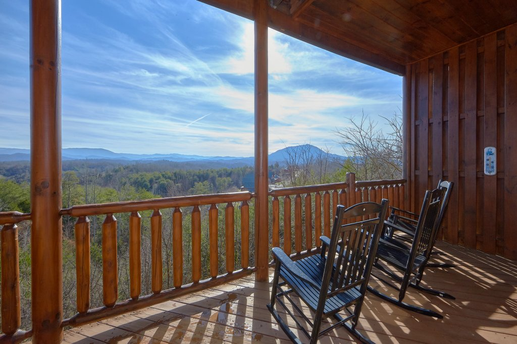 Photo of a Sevierville Cabin named It's All Good - This is the fifth photo in the set.