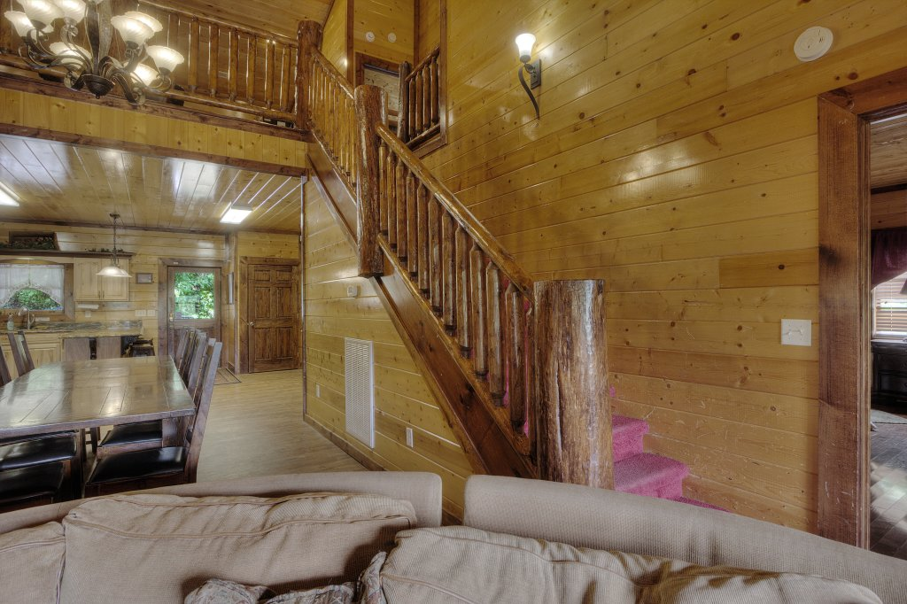 Photo of a Gatlinburg Cabin named Mystical Creek Pool Lodge #600 - This is the sixtieth photo in the set.