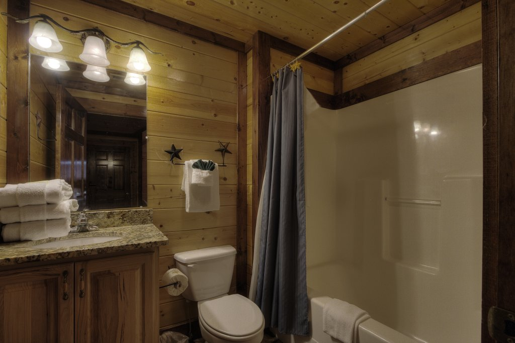 Photo of a Gatlinburg Cabin named Mystical Creek Pool Lodge #600 - This is the sixty-fifth photo in the set.