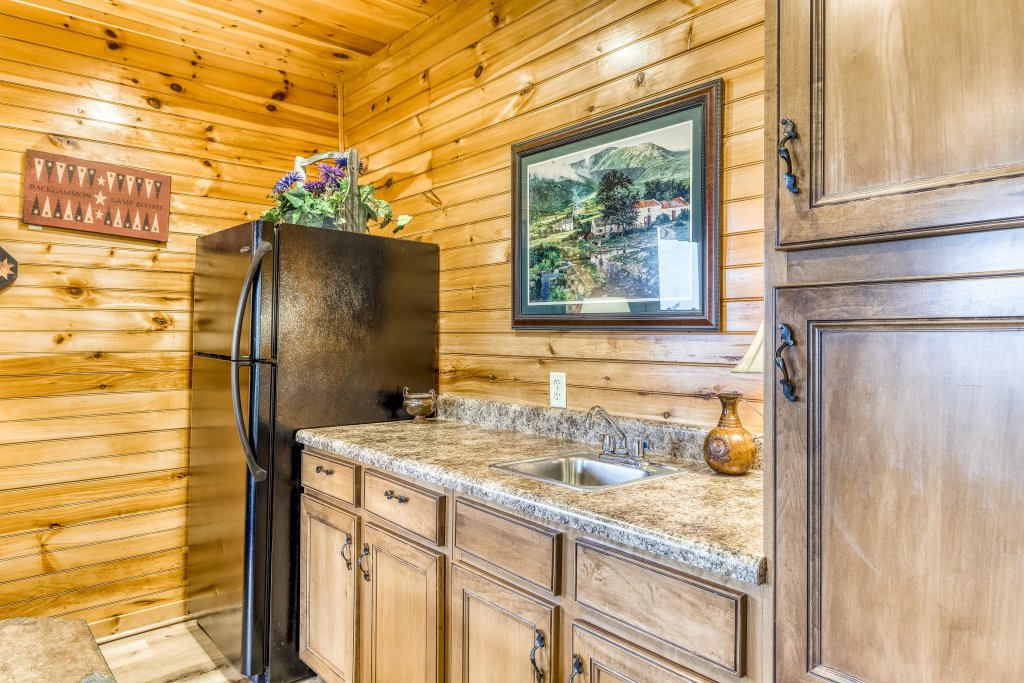 Photo of a Sevierville Cabin named Grizzly Manor - This is the twelfth photo in the set.