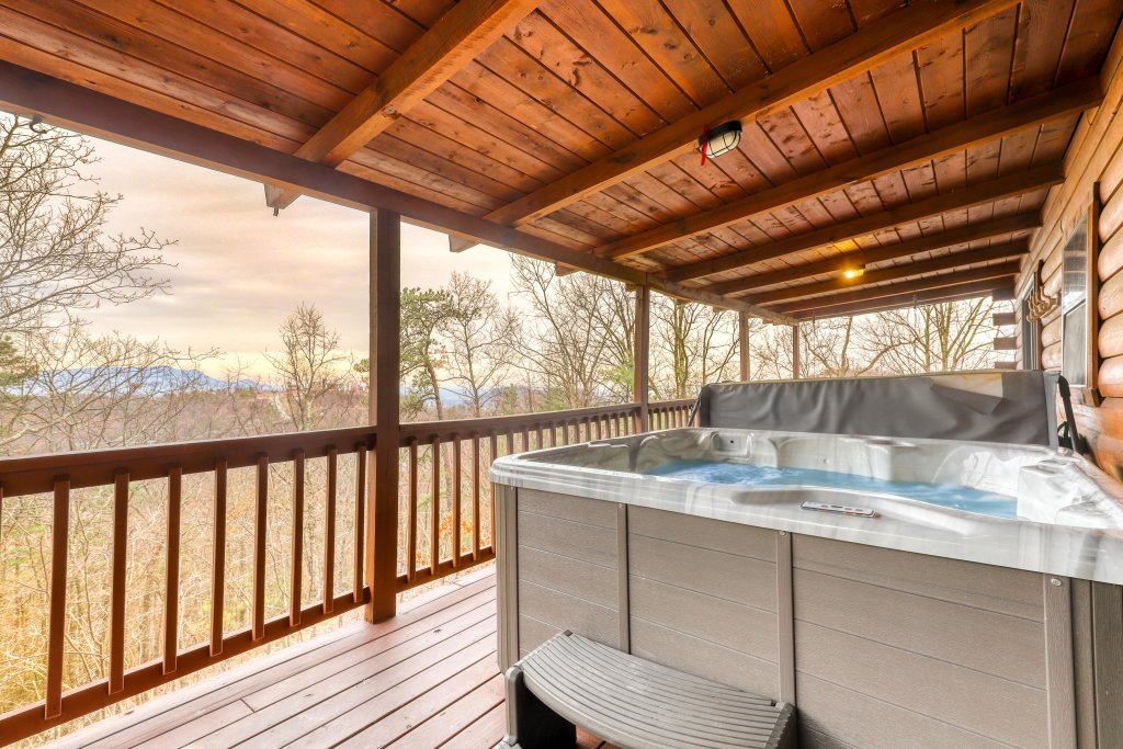 Photo of a Pigeon Forge Cabin named Scenic Hideaway - This is the third photo in the set.