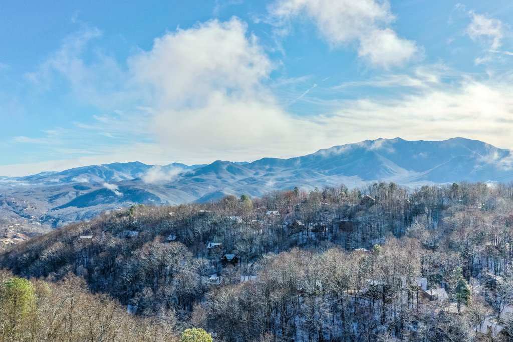 Photo of a Gatlinburg Cabin named Mountain Top Retreat - This is the twenty-fourth photo in the set.
