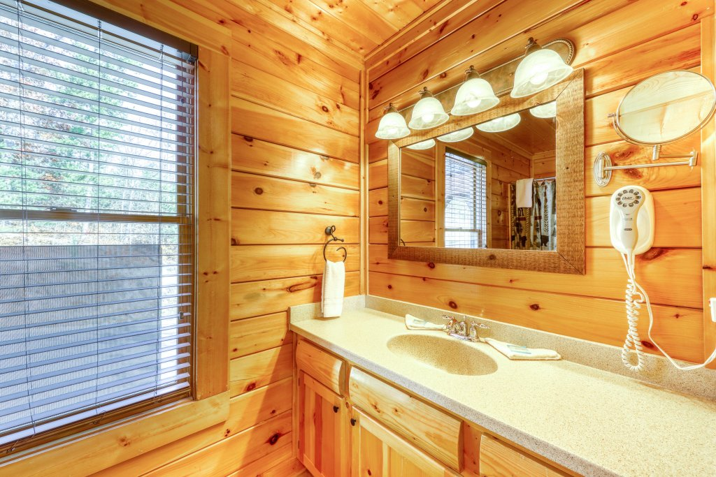 Photo of a Pigeon Forge Cabin named High Expectations - This is the eighth photo in the set.