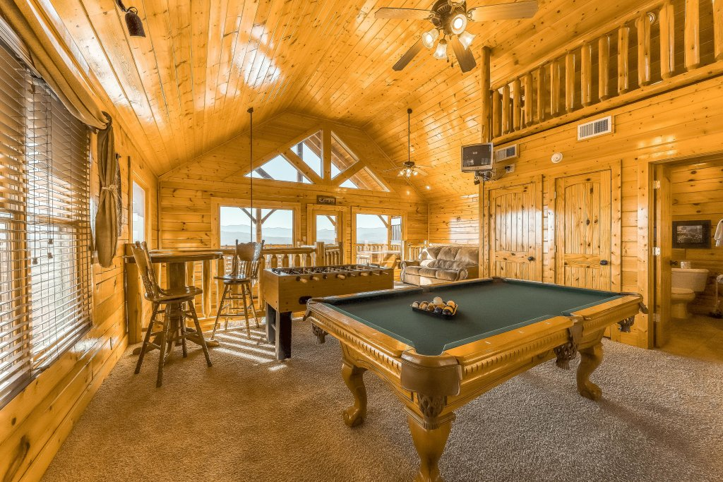 Photo of a Pigeon Forge Cabin named Moondancer - This is the eighth photo in the set.