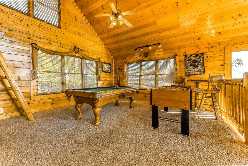 Photo of a Pigeon Forge Cabin named Moondancer - This is the fifteenth photo in the set.