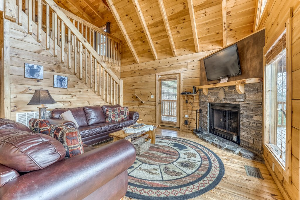 Photo of a Sevierville Cabin named Ain't No Mountain High Enough - This is the eighth photo in the set.