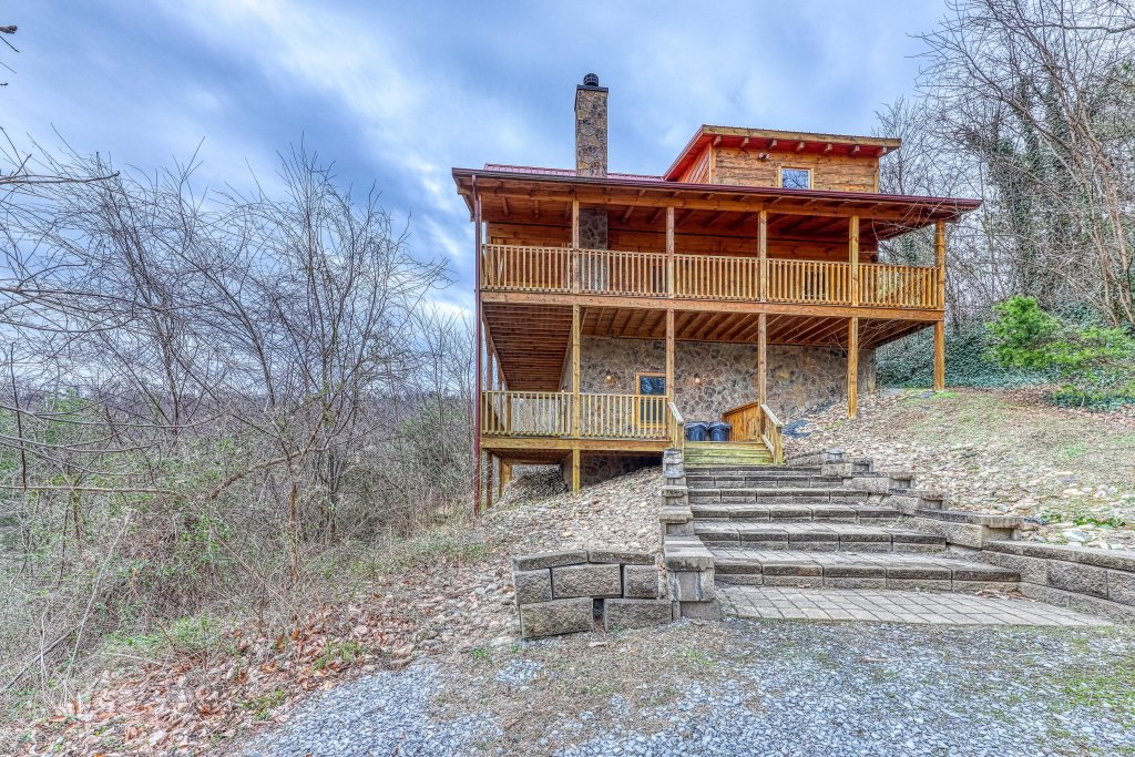 Photo of a Sevierville Cabin named Ain't No Mountain High Enough - This is the thirty-fifth photo in the set.