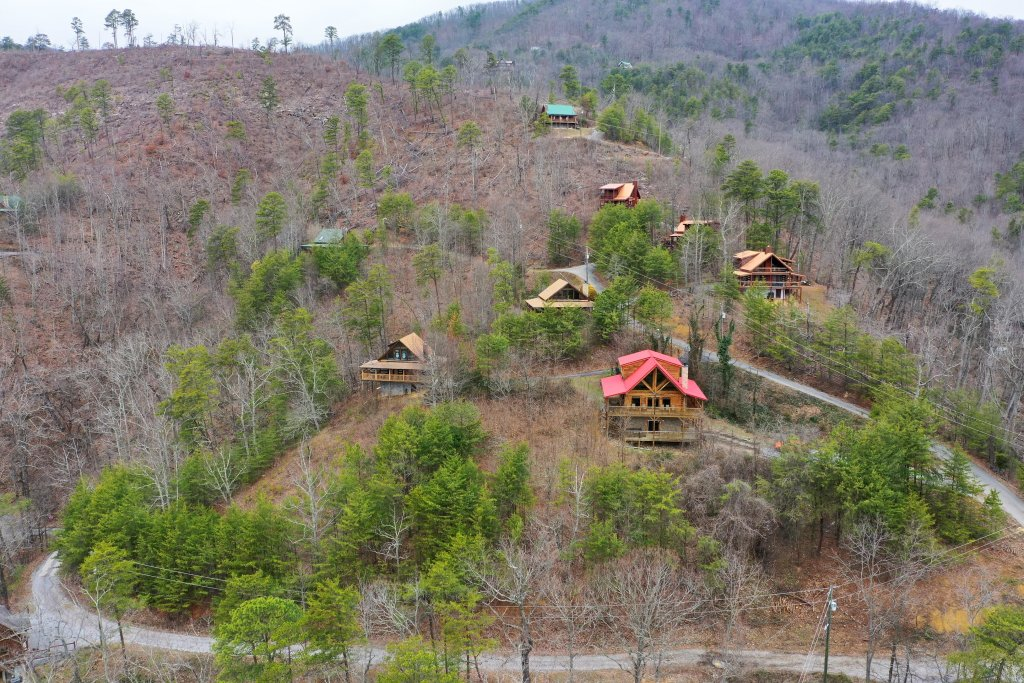Photo of a Sevierville Cabin named Ain't No Mountain High Enough - This is the thirtieth photo in the set.