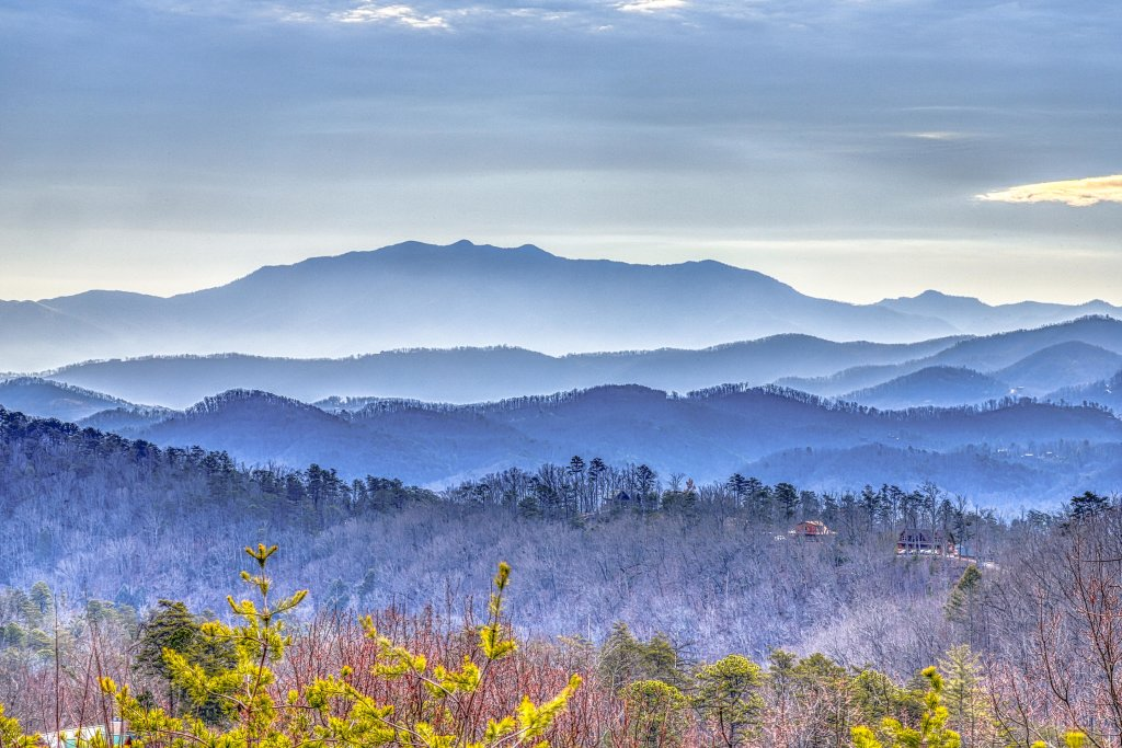 Photo of a Sevierville Cabin named Ain't No Mountain High Enough - This is the fifteenth photo in the set.