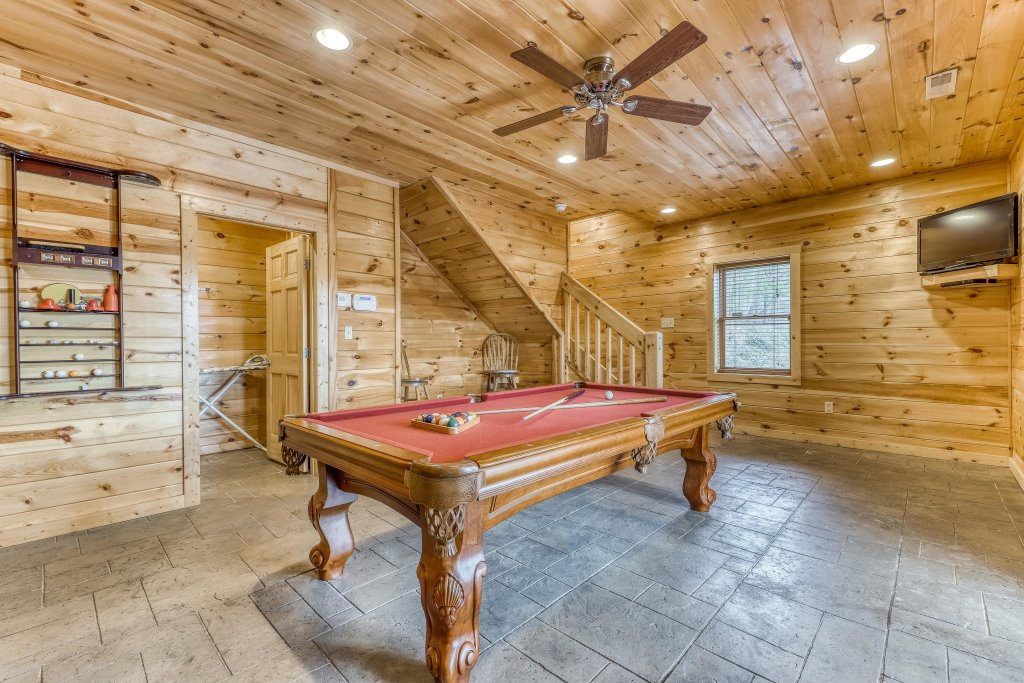 Photo of a Sevierville Cabin named Ain't No Mountain High Enough - This is the seventeenth photo in the set.