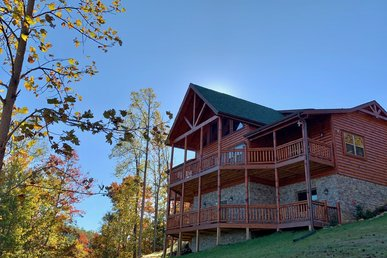 New View Cabin With Arcade, Game Room, Wifi Internet, Sauna, And Log Beds!