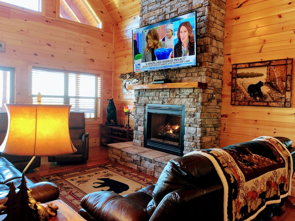Photo of a Sevierville Cabin named Majestic View Lodge #426 - This is the eighth photo in the set.
