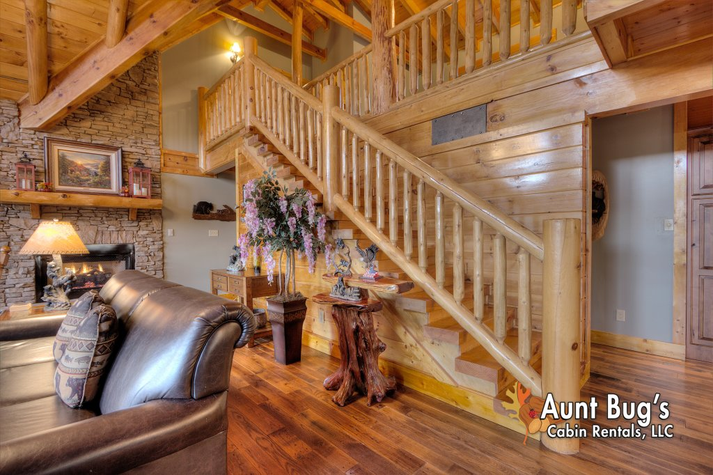 Photo of a Sevierville Cabin named Stairway To Heaven #556 - This is the twenty-fifth photo in the set.