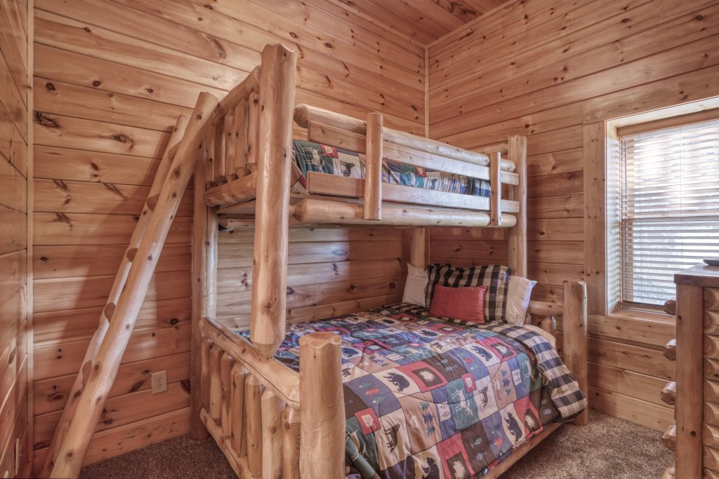 Photo of a Sevierville Cabin named Dream Come True #555 - This is the forty-fourth photo in the set.
