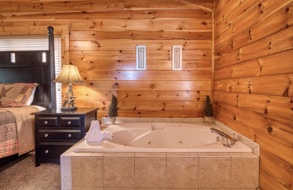 Photo of a Sevierville Cabin named Dream Come True #555 - This is the thirty-fifth photo in the set.