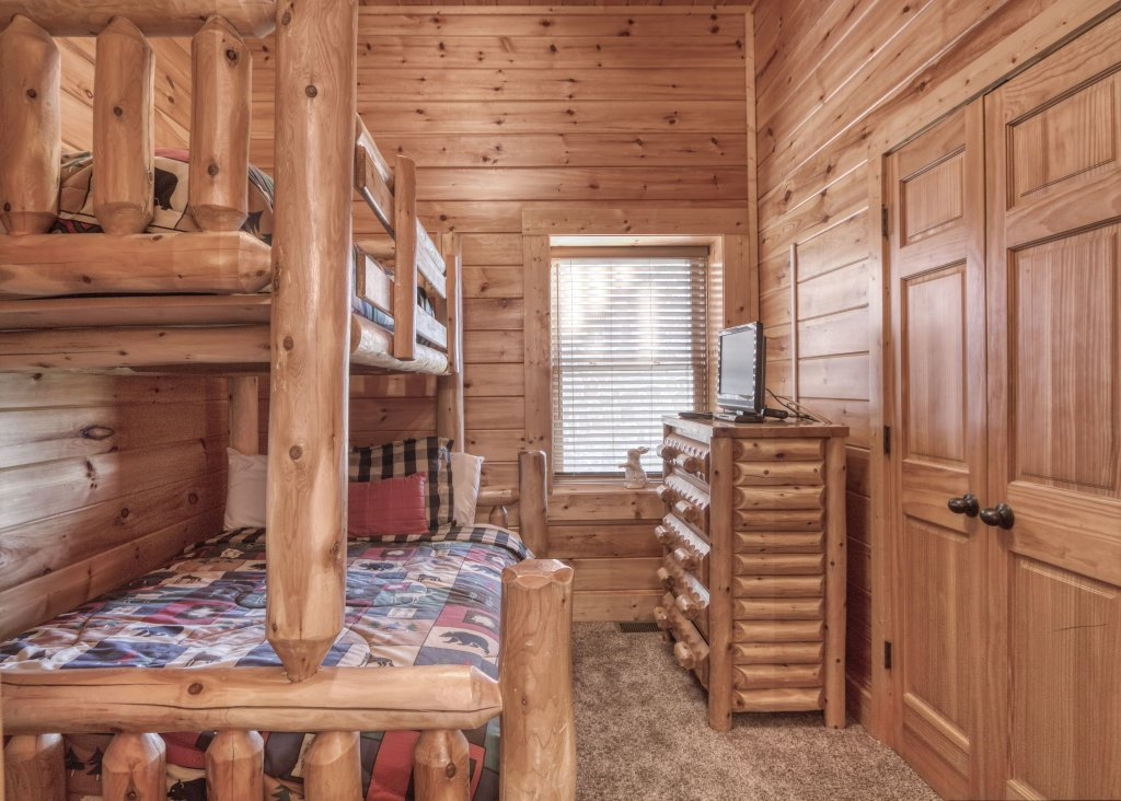 Photo of a Sevierville Cabin named Dream Come True #555 - This is the forty-eighth photo in the set.