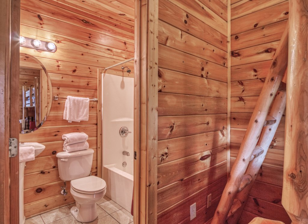 Photo of a Sevierville Cabin named Dream Come True #555 - This is the forty-sixth photo in the set.