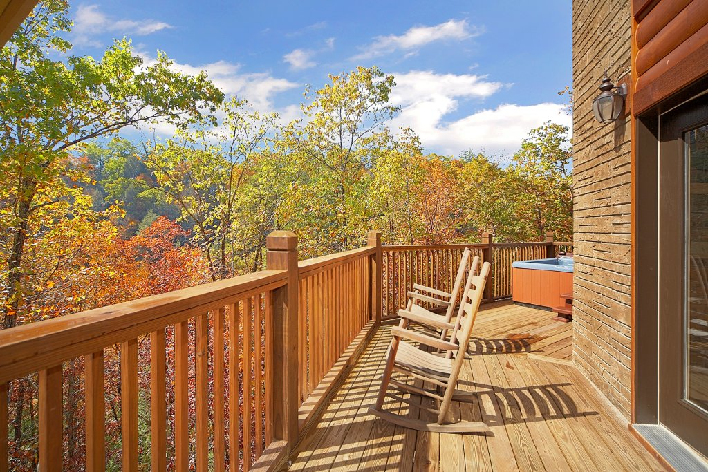 Photo of a Gatlinburg Cabin named Chalet D'amour - This is the third photo in the set.