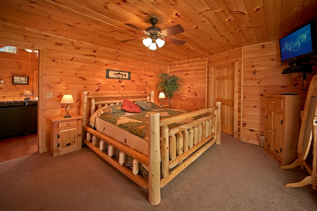 Photo of a Gatlinburg Cabin named A Secret Hideaway - This is the sixteenth photo in the set.