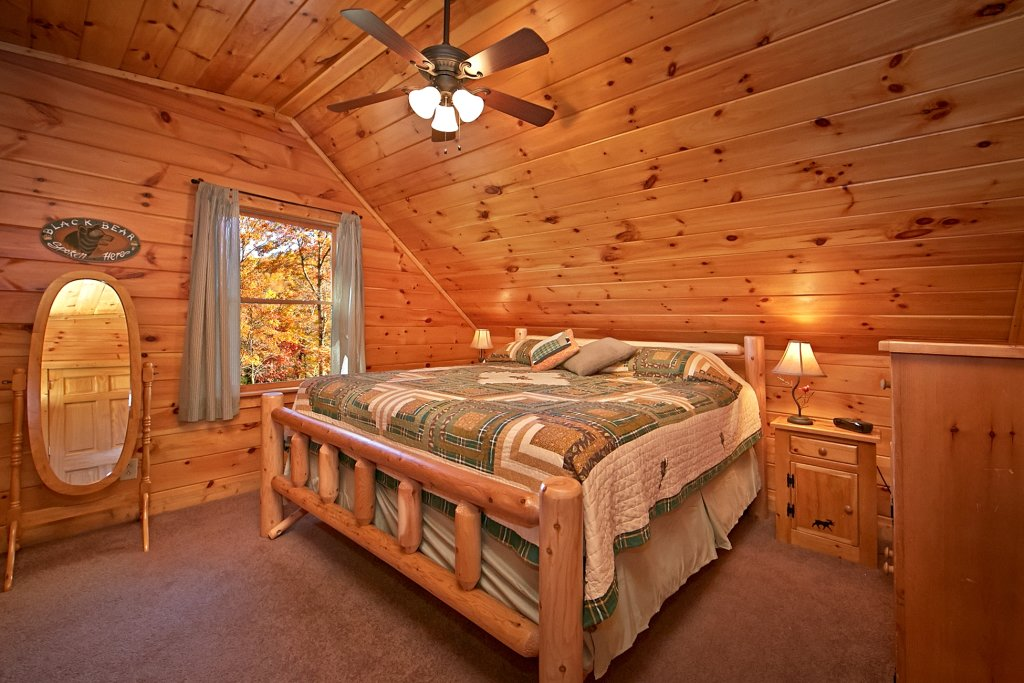 Photo of a Gatlinburg Cabin named A Secret Hideaway - This is the fourteenth photo in the set.